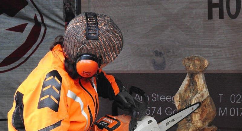 Attention à l'étanchéité du casque antibruit avec les couvre-chefs.