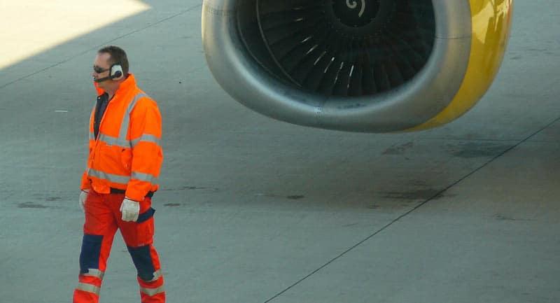 Casque antibruit avec possibilité de communication pour le personnel au sol des aéroports