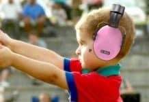 Conseils pour préserver l'audition des enfants pendant les vacances