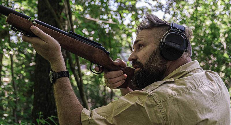 Le MSA Sordin Supreme Pro X est l'un des modèles électroniques les plus répandus chez les tireurs.